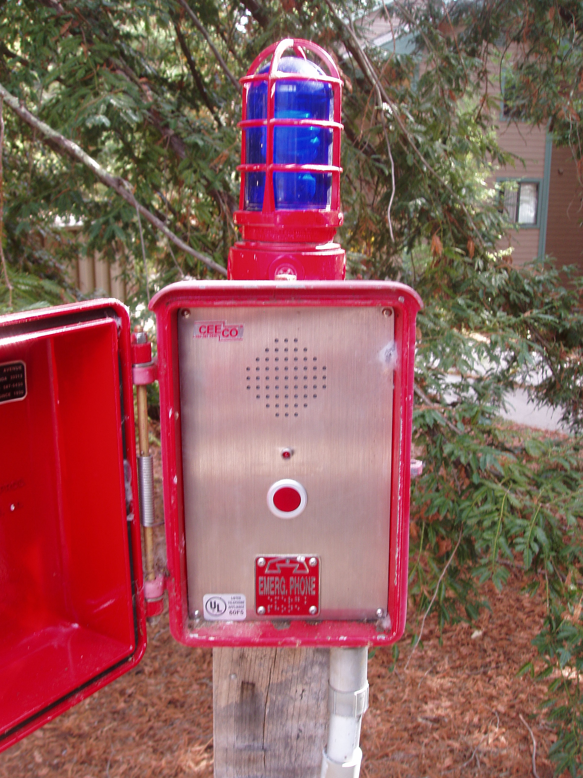 Photo of post-mounted emergency phone panel